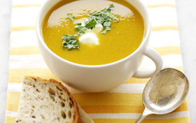 Pumpkin and chickpea soup