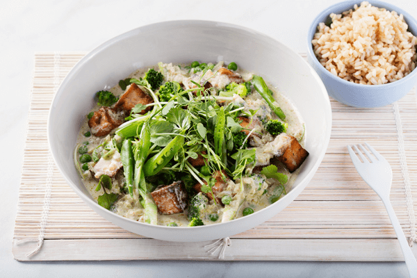 Tofu and broccoli green curry
