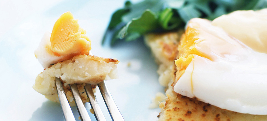 Hash browns with eggs and light hollandaise