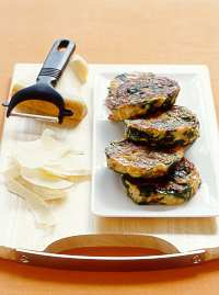 Spinach and pine nut fritters