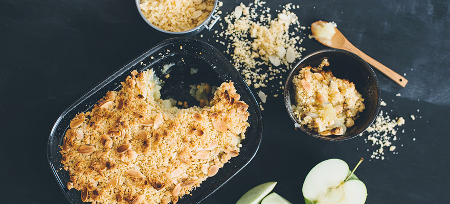 Apple and almond crumble